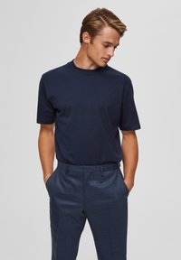 Selected Homme - T-shirts basic - sky captain - 0