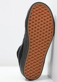Vans - SK8-HI - Vysoké tenisky - black - 4