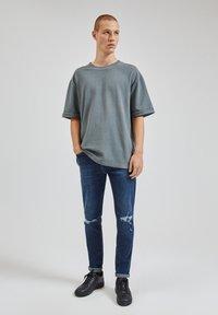 PULL&BEAR - Slim fit jeans - dark blue - 1