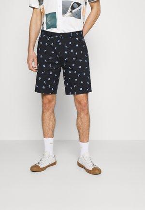 STUART - Shorts - combo