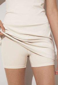 OYSHO - Robe d'été - off white - 3