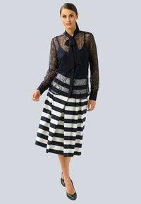 Alba Moda - Button-down blouse - marineblau - 1