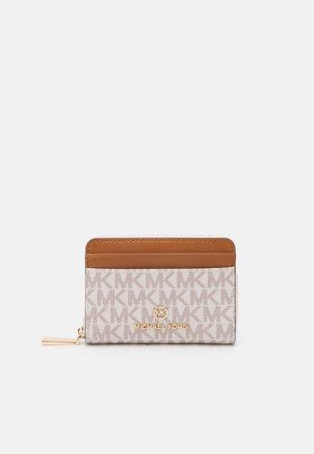JET SET CHARM COIN CARD CASE - Peněženka - vanilla