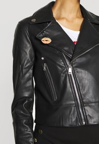 Guess - NATALIA  - Giacca in similpelle - jet black - 4