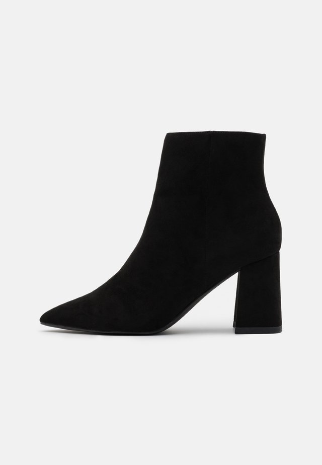 BASIC SLANTED HEEL - Tronchetti - black