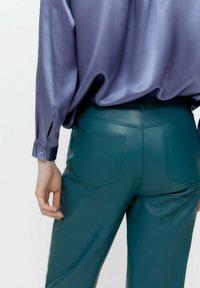 Uterqüe - Leather trousers - green - 3