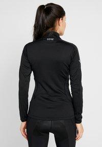 Gore Wear - THERMO ZIP  - Sports shirt - black - 2