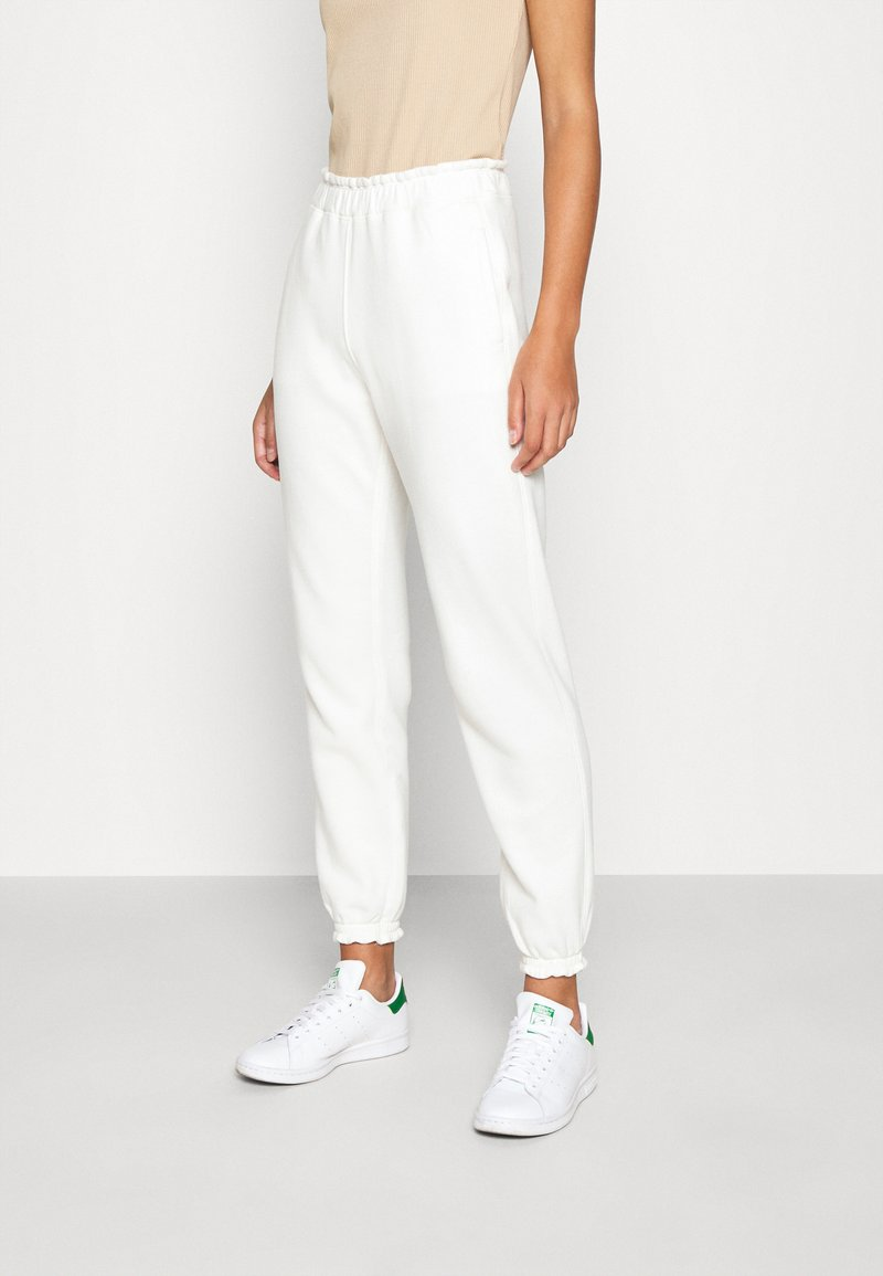 Abercrombie & Fitch - LOGO JOGGER - Tracksuit bottoms - white