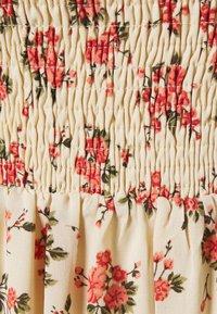 Missguided - FLORAL FRILL CUFF SHIRRED DRESS - Maxi dress - nude - 2