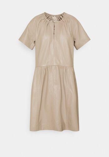 AKAY DRESS - Day dress - sandstone