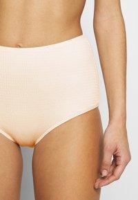 Monki - PAULINE AND GETRUDE BIKINI SET - Bikini - white light - 7