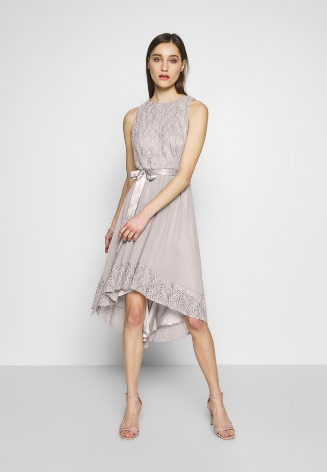 Koktejlové šaty/ šaty na párty - taupe