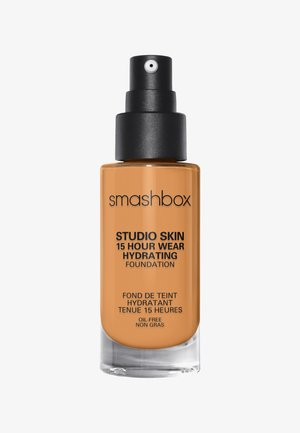STUDIO SKIN 15 HOUR WEARHYDRATING FOUNDATION - Foundation - 3.18