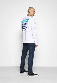 Tommy Jeans - SCANTON SLIM - Slim fit jeans - queens dark blue - 2