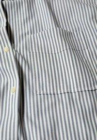 Mango - OXFORD - Button-down blouse - azul - 5