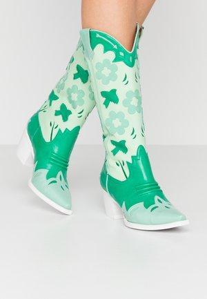 LOONEY - Cowboy/Biker boots - green/white