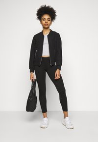 Even&Odd Petite - 2er pack 7/8 legging - Leggings - Trousers - black - 1