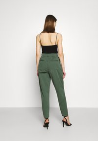 Pepe Jeans - MAMBA - Trousers - forest green - 2