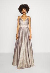 Luxuar Fashion - Vestido de fiesta - gold - 0