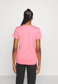Under Armour - LIVE SPORTSTYLE GRAPHIC - T-shirt imprimé - pink lemonade - 2