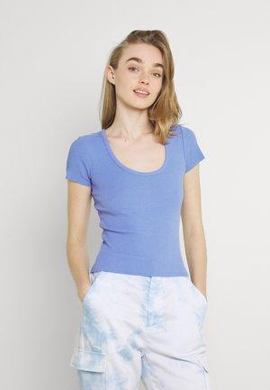 SCOOP BABY TEE - Basic T-shirt - bright blue