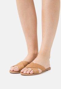 Rubi Shoes by Cotton On - EVERYDAY SCARLETT SLIDE - Sandaler - beige - 0