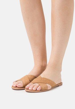 EVERYDAY SCARLETT SLIDE - Sandaler - beige