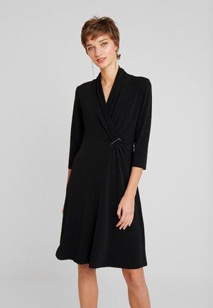 Žerzejové šaty - forever black