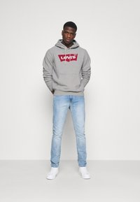 Levi's® - GRAPHIC HOODIE - Sweater - heather gray - 1