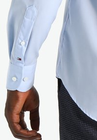 Tommy Hilfiger Tailored - FITTED - Camicia elegante - blue - 4