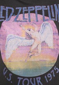 Cotton On - CLASSIC LED ZEPPELIN - Camiseta estampada - washed black - 5