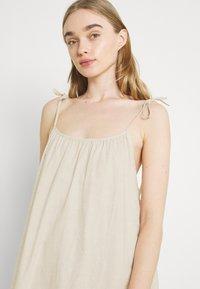 Monki - ELSA DRESS - Denní šaty - white - 3