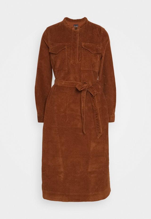 SHIRTDRESS - Day dress - chestnut