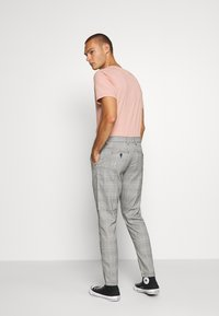 Shine Original - CHECKED CLUB TROUSERS - Pantalon classique - grey - 2
