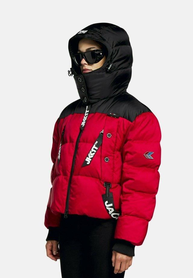 Gewatteerde jas - black/red
