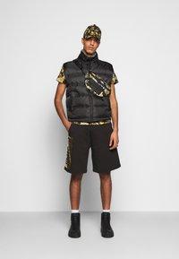 Versace Jeans Couture - PRINT NEW LOGO - T-shirt imprimé - nero - 1