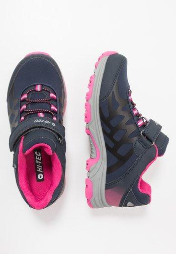 YOMP WP  - Hiking shoes - navy/desert flower