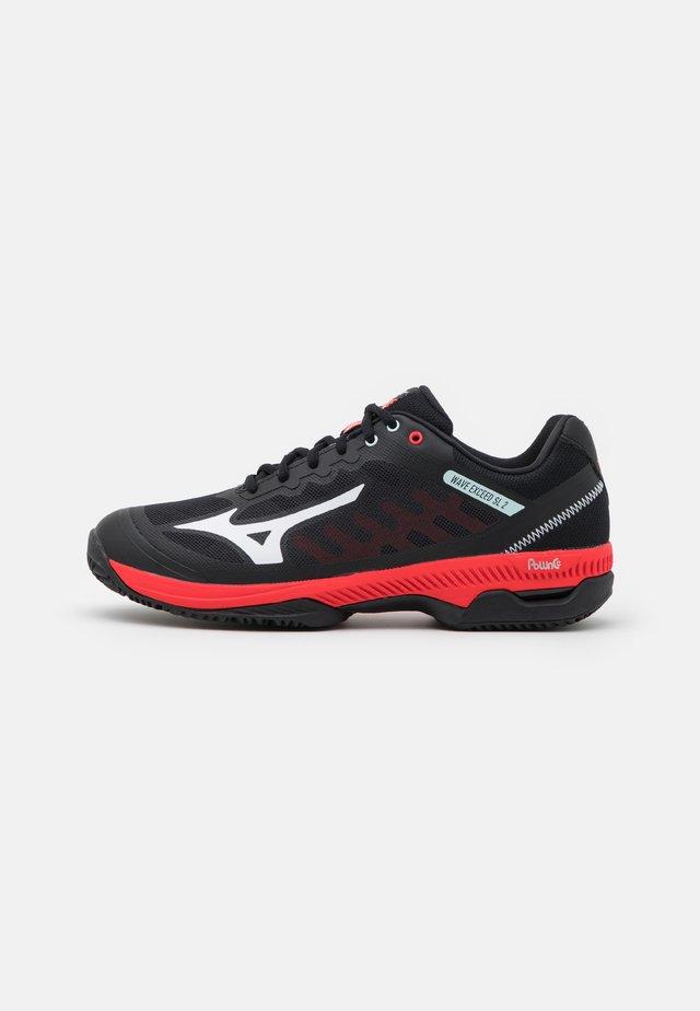 WAVE EXCEED SL 2 CC - Clay court tennissko - black/white/ignition red