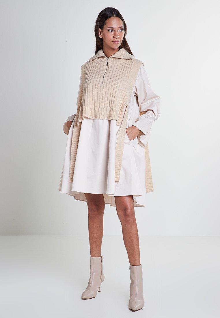 Mykke Hofmann - Day dress - beige