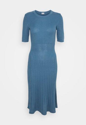 Strikket kjole - captains blue