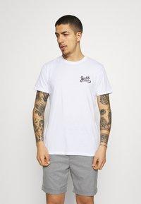 Jack & Jones - JORSIGNATURE TEE CREW NECK 5 PACK - T-shirt med print - white - 6