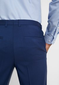 HUGO - HARTLEYS - Oblekové kalhoty - medium blue - 5