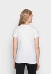 Nike Sportswear - W NSW TEE JDI SLIM - T-shirt imprimé - white/black - 2