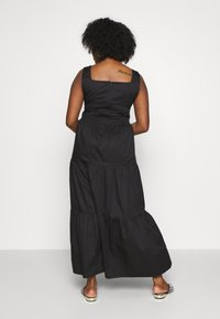 Glamorous Curve - EYELET DETAIL MAXI DRESS - Maksimekko - black - 2