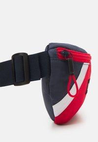 Timberland - BUM BAG - Taška spříčným popruhem - orange - 4