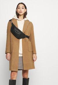 ONLY - ASTRID WOOL  - Klasický kabát - toasted coconut - 3