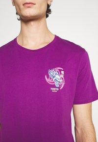 YOURTURN - UNISEX - T-shirt med print - purple - 5