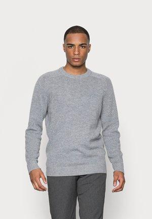 SLHNEWCOBAN CREW NECK  - Stickad tröja - medium grey melange