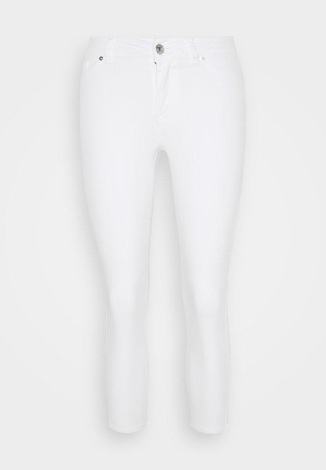 VMHOT SEVEN  - Slim fit jeans - bright white