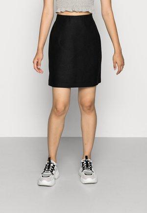VMFORTUNALLISON SHORT SKIRT - Minifalda - black